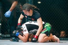 Alexa Grasso vs Alida Gray