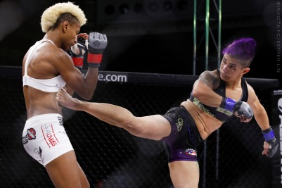 Angela Hill vs Kaline Medeiros