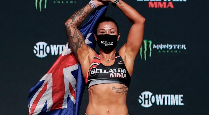 Arlene Blencowe Looking to Fellow Boxers to Improve MMA Game